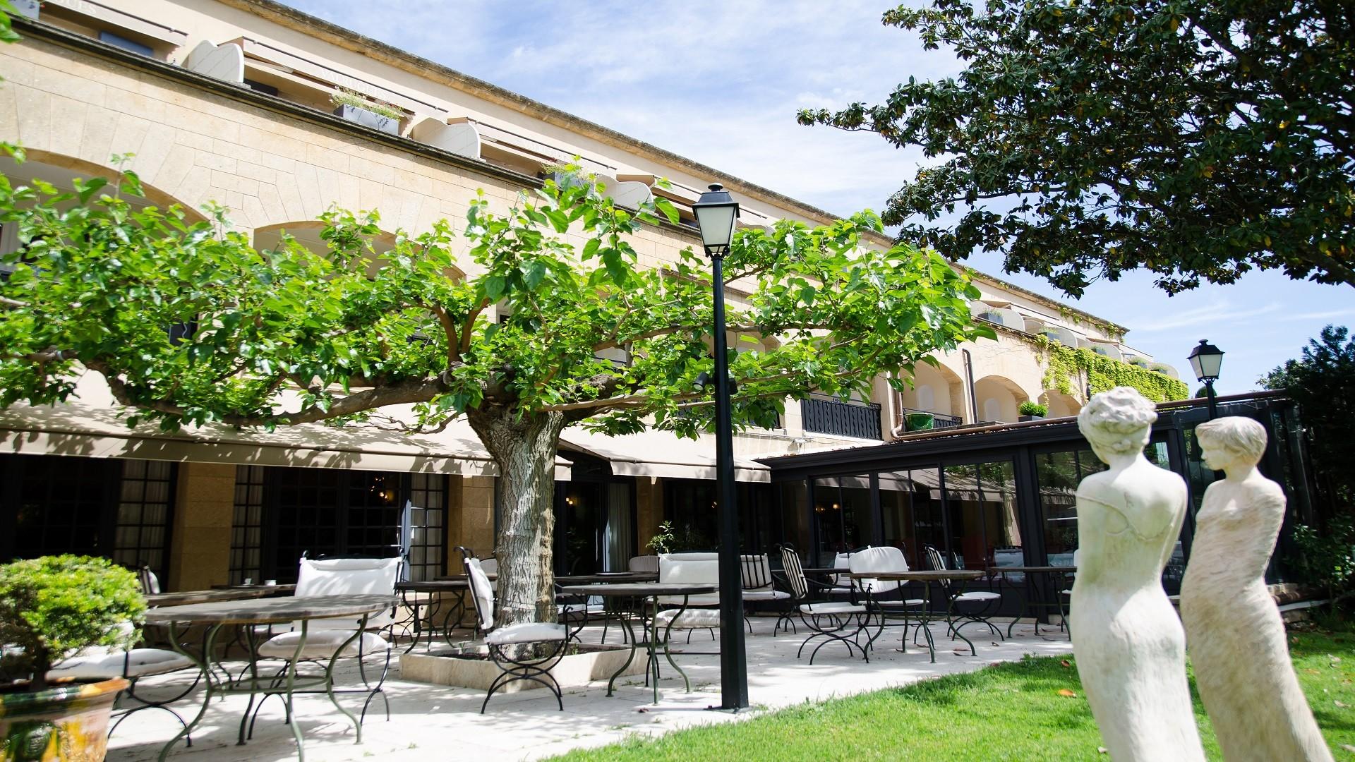 Vallon-de-Valrugues-saint-remy-de-provence-terrasses-seminaires-de-caractere