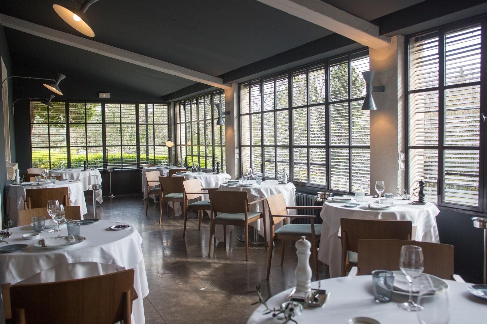 baumaniere-restaurant-saint-remy-de-provence-avignon-carrieres-de-lumieres